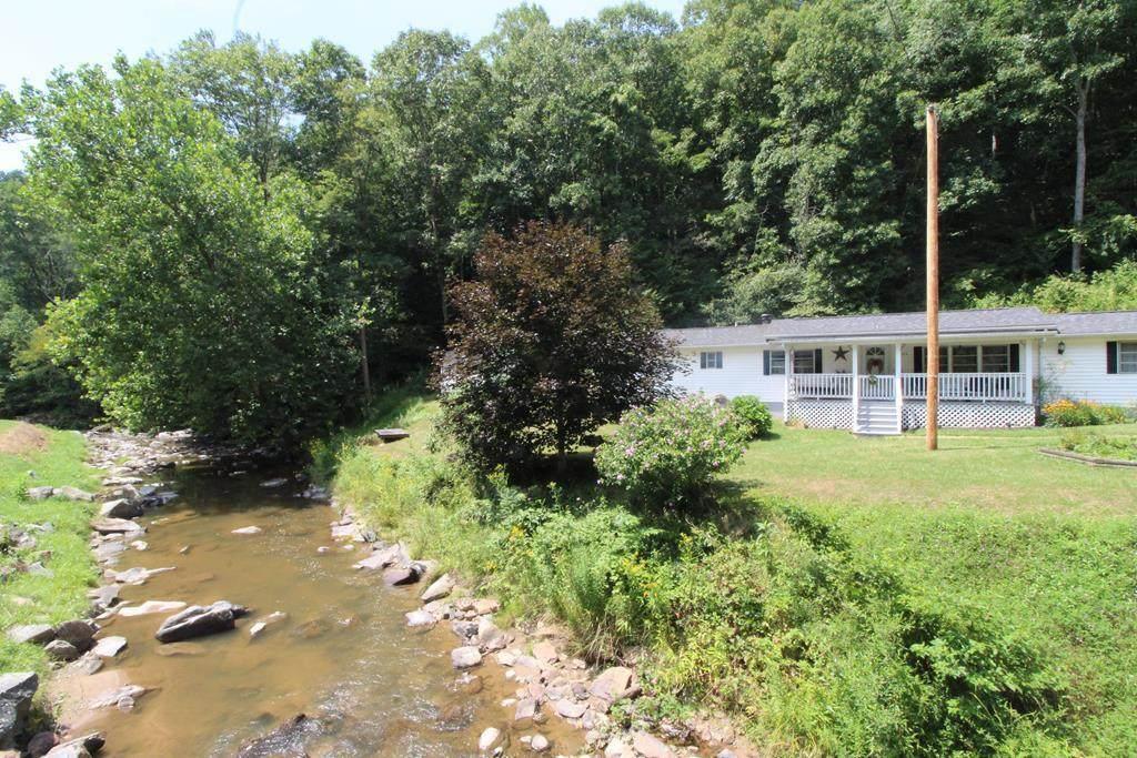 3393 Fox Creek Rd - Photo 1
