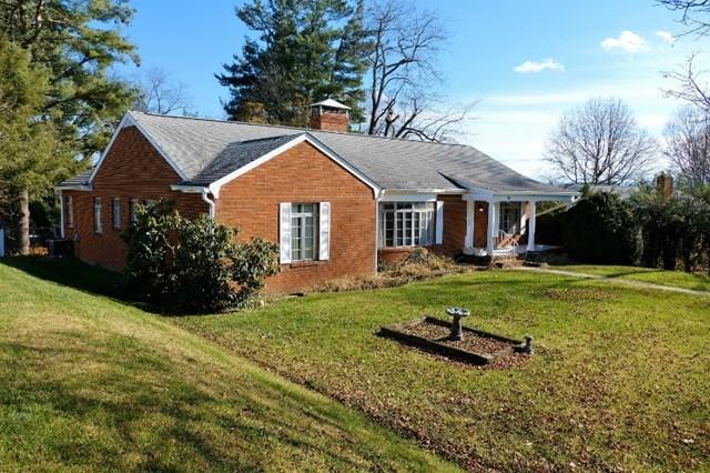 414 Court St, Abingdon, VA 24210 (MLS #62797) :: Highlands Realty, Inc.