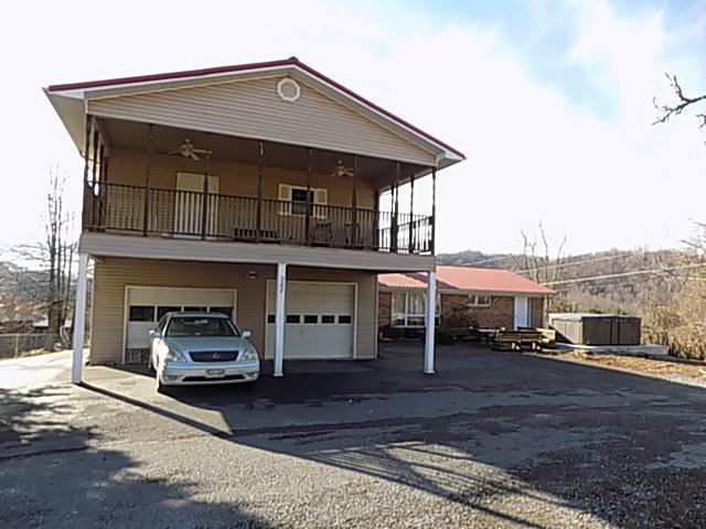 287 Martin St, Pounding Mill, VA 24637 (MLS #68157) :: Highlands Realty, Inc.