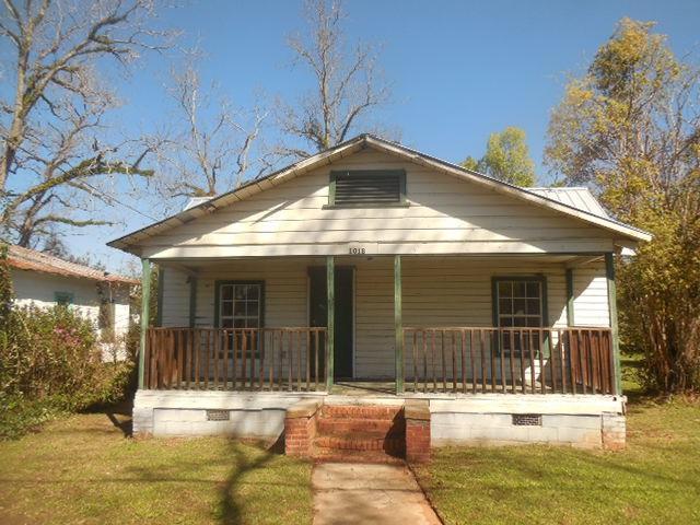 1018 Laura, Quincy, FL 32351 (MLS #304145) :: Best Move Home Sales