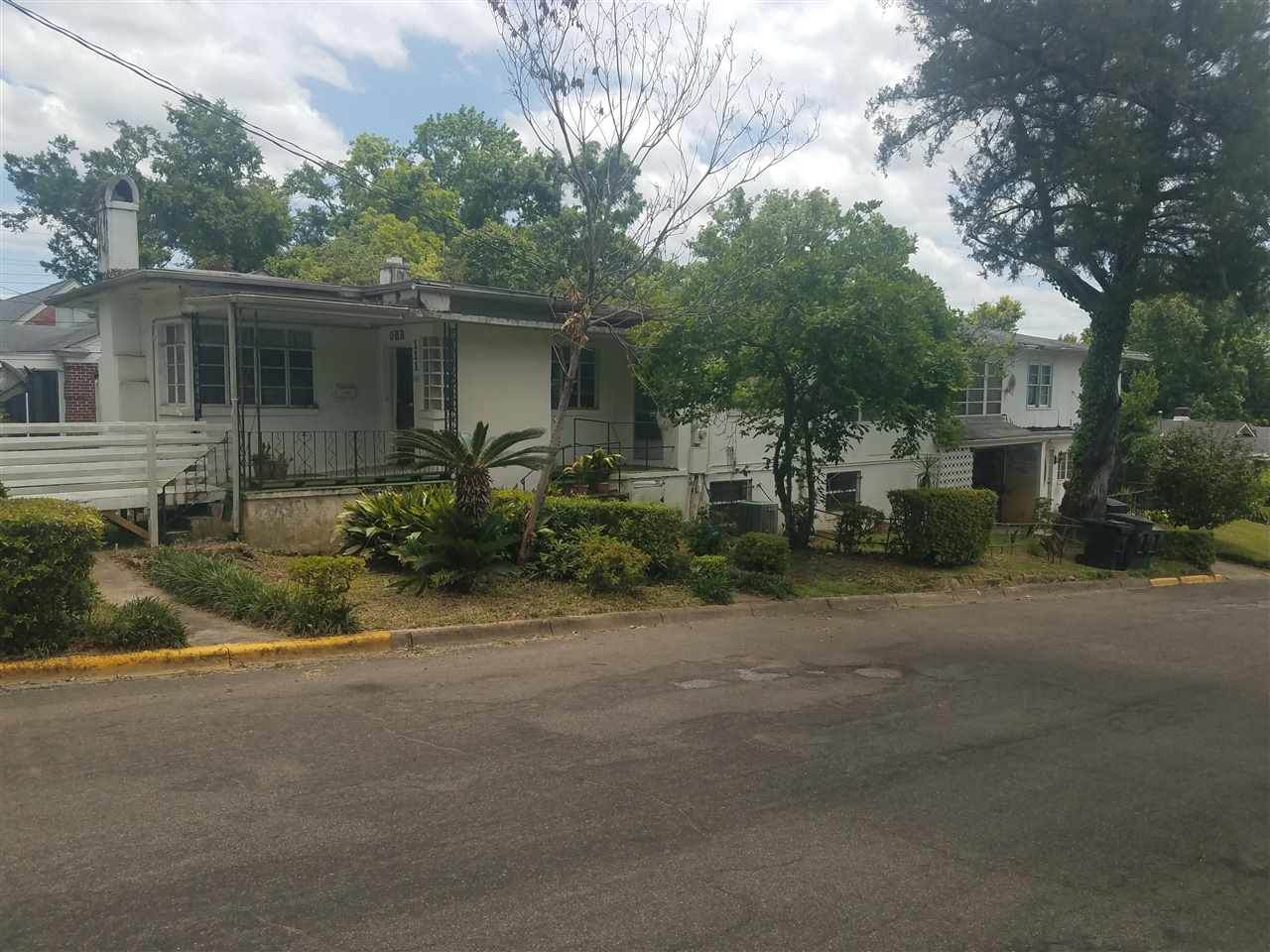 111 Young Street - Photo 1