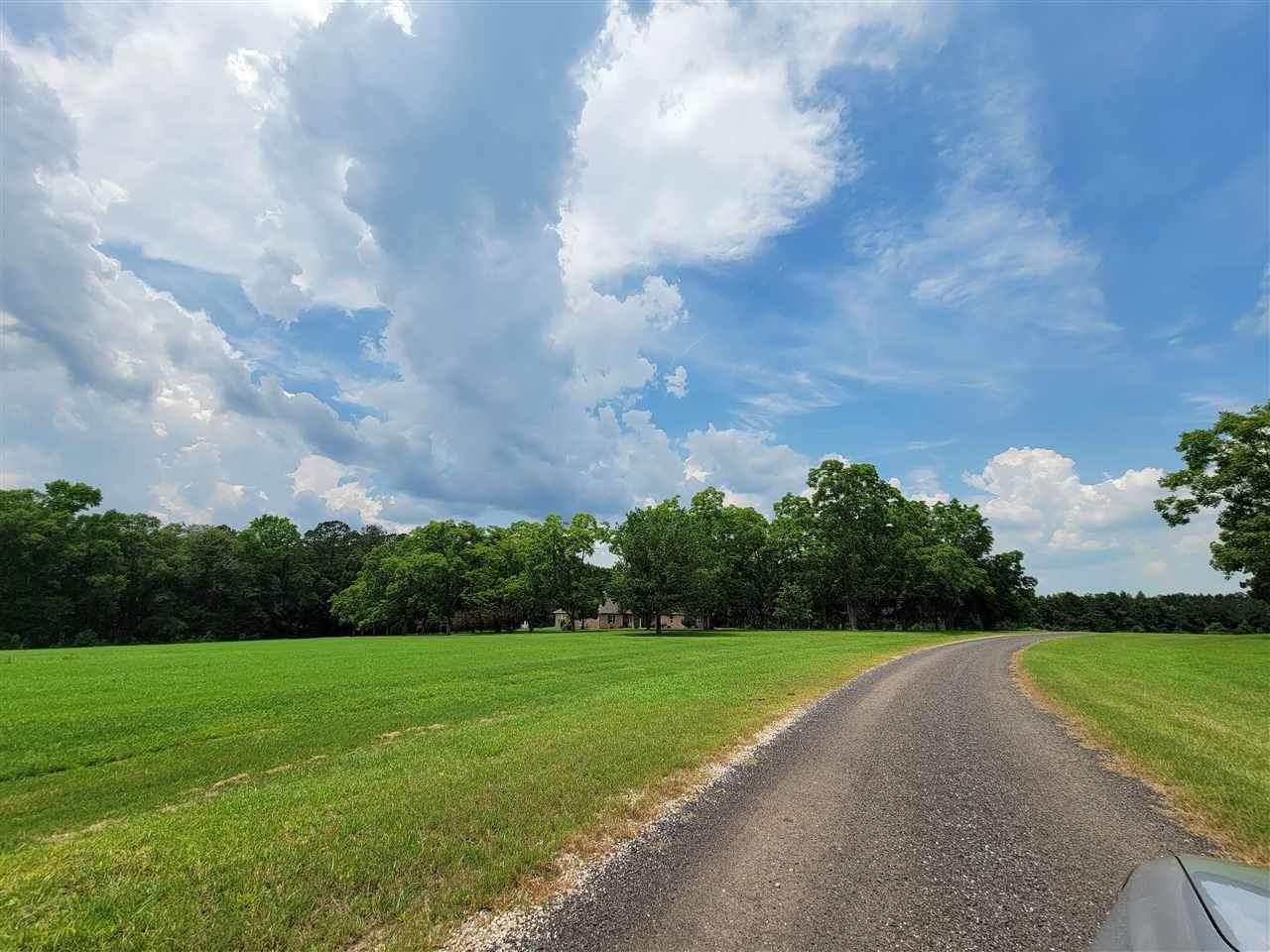 215 Ojibwa Road - Photo 1