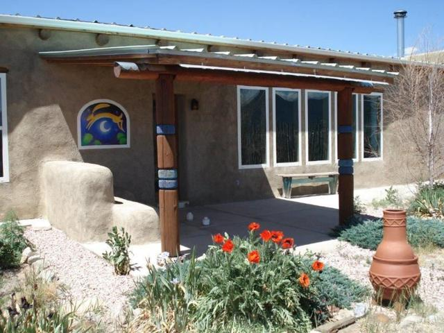 191 Lower Buena Vista Road, Taos, NM 87571 (MLS #101813) :: The Chisum Realty Group