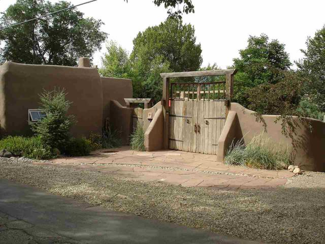 20 Valerio Rd, Ranchos de Taos, NM 87557 (MLS #102045) :: Page Sullivan Group | Coldwell Banker Lota Realty