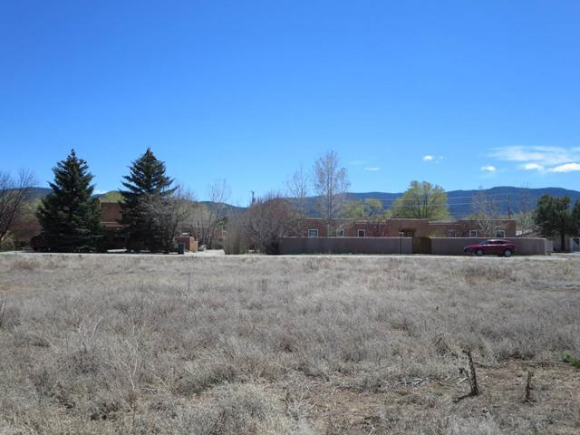 512 Apache Street, Taos, NM 87571 (MLS #102079) :: Page Sullivan Group | Coldwell Banker Mountain Properties