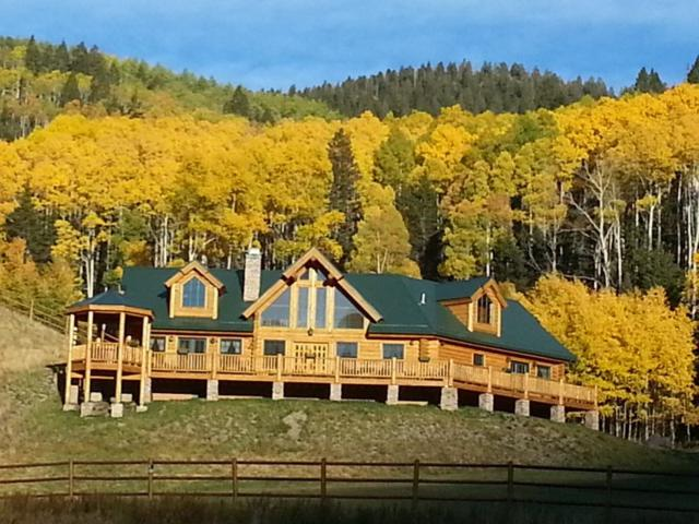 6 Black Copper Canyon Rd, Red River, NM 87558 (MLS #102357) :: The Chisum Realty Group