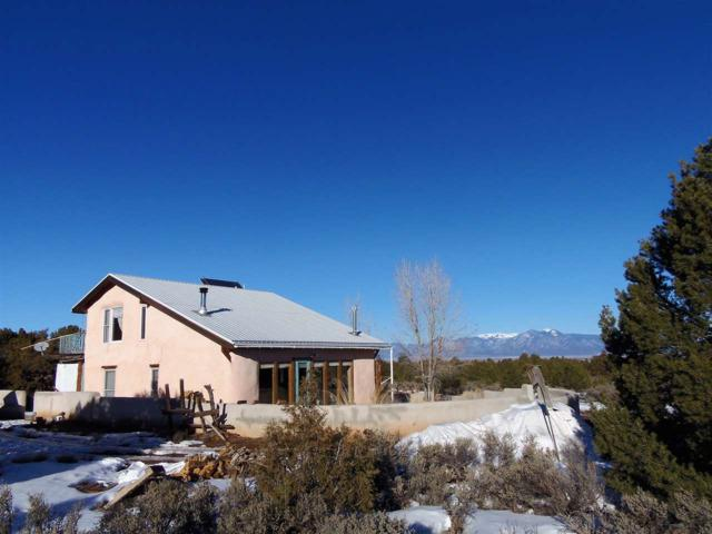 77 North Road, Carson, NM 87517 (MLS #102754) :: The Chisum Realty Group