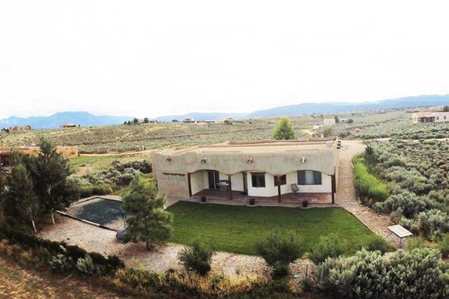 98 Vista De Ocaso, Ranchos de Taos, NM 87557 (MLS #102781) :: The Chisum Realty Group