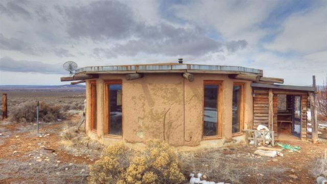 141 Mesa Sea Rd, El Prado, NM 87529 (MLS #102805) :: The Chisum Realty Group