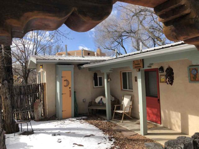 110 Brooks Street, Taos, NM 87571 (MLS #102831) :: The Chisum Realty Group