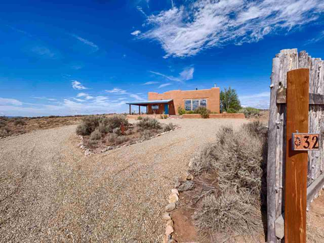 32 Colonias Pointe, Taos, NM 87571 (MLS #102875) :: The Chisum Realty Group