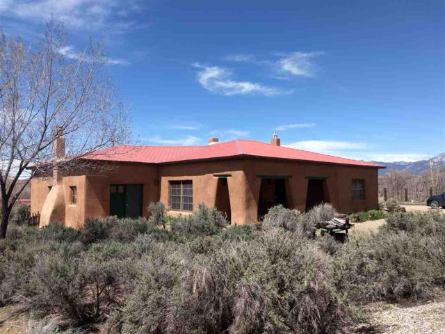 302 Saavedra St, Taos, NM 87571 (MLS #103039) :: The Chisum Realty Group