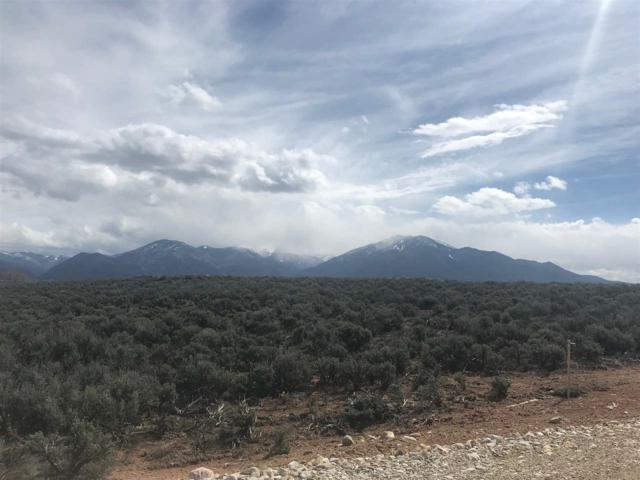 0 Colonias Pointe Drive, Taos, NM 87571 (MLS #103049) :: The Chisum Realty Group