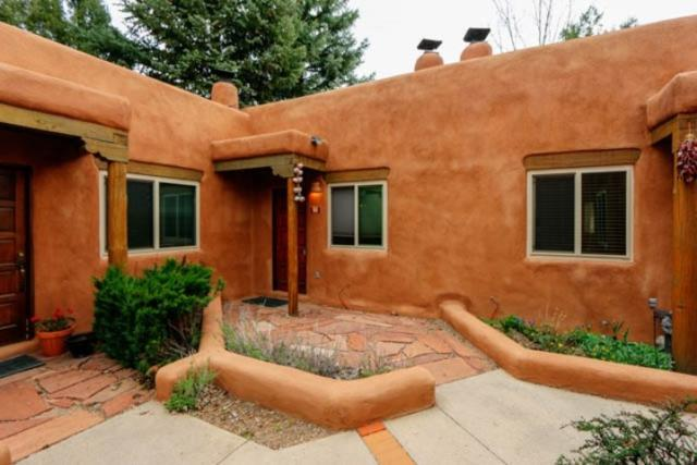 226 Kit Carson Apple 7, Taos, NM 87571 (MLS #103327) :: Page Sullivan Group | Coldwell Banker Mountain Properties