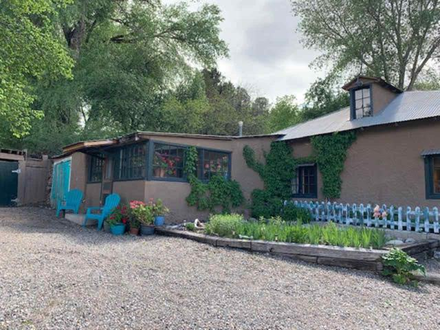 235 State Road 75, Taos, NM 87527 (MLS #103421) :: The Chisum Realty Group