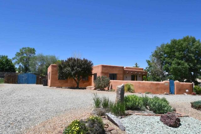 346 Monte Vista, Taos, NM 87571 (MLS #103541) :: The Chisum Realty Group