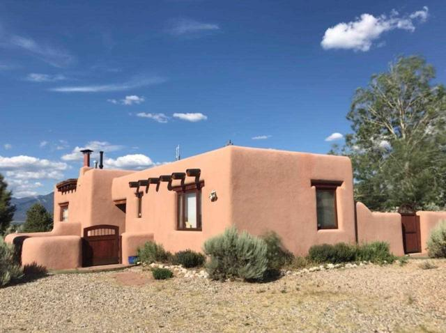 13 Vista Del Ocaso Rd, Taos, NM 87571 (MLS #103828) :: The Chisum Realty Group