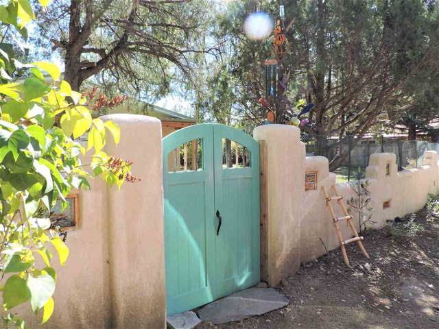 211 Murray Lane, Taos, NM 87571 (MLS #104295) :: The Chisum Realty Group