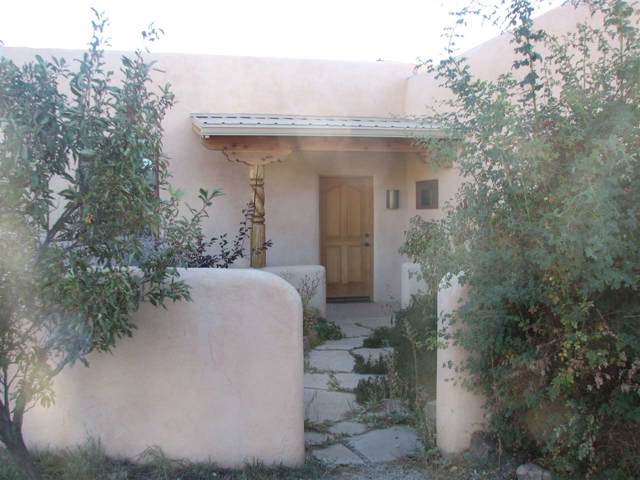 26 Dos Palas Rd, Arroyo Seco, NM 87514 (MLS #104308) :: Angel Fire Real Estate & Land Co.