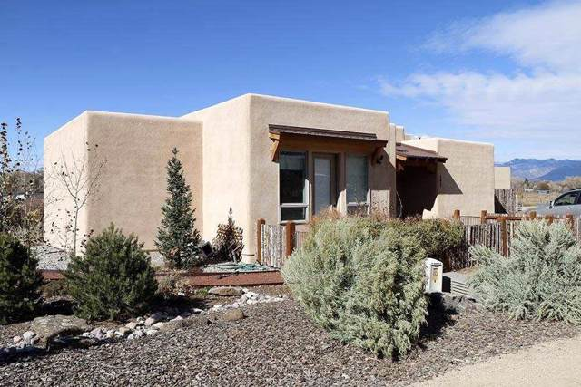 402 Valverde Commons, Taos, NM 87571 (MLS #104484) :: Page Sullivan Group | Coldwell Banker Mountain Properties