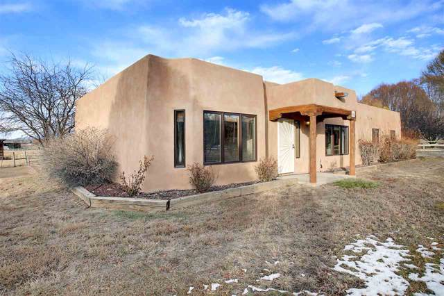 608 Camino Del Medio, Taos, NM 87571 (MLS #104499) :: The Chisum Realty Group