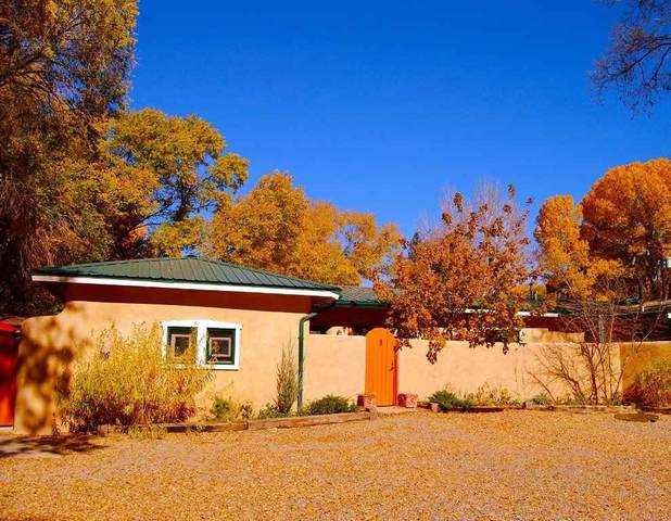 304 Montoya St, Taos, NM 87571 (MLS #104701) :: The Chisum Realty Group