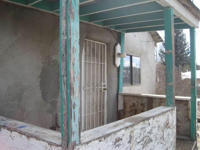 11 Placita De Medio, Arroyo Hondo, NM 87153 (MLS #104809) :: The Chisum Realty Group