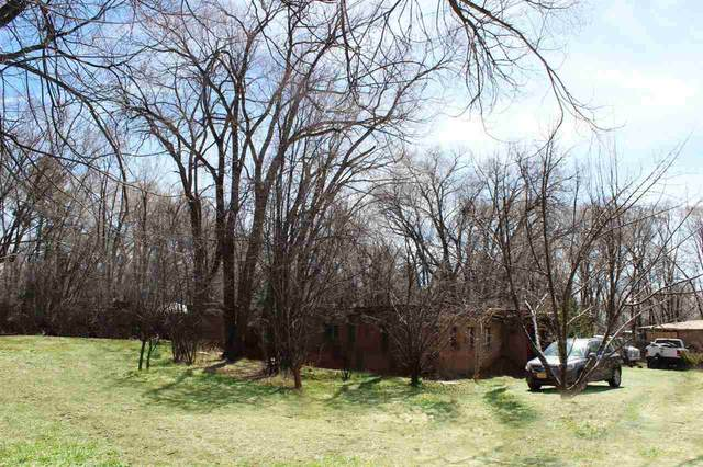 311 Montoya St, Taos, NM 87571 (MLS #104916) :: The Chisum Realty Group