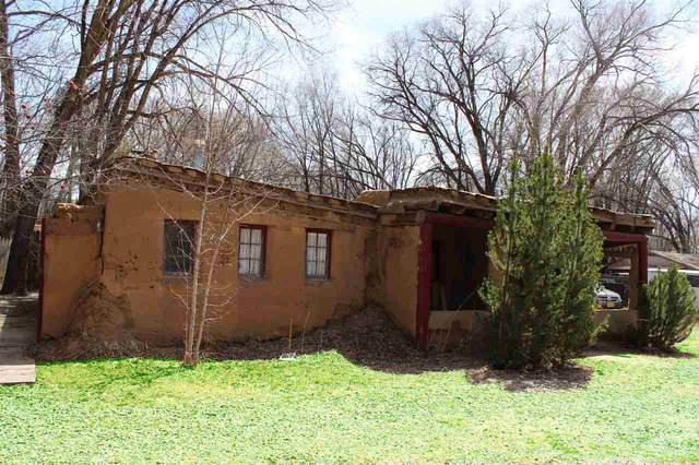 311 Montoya St, Taos, NM 87571 (MLS #104917) :: The Chisum Realty Group