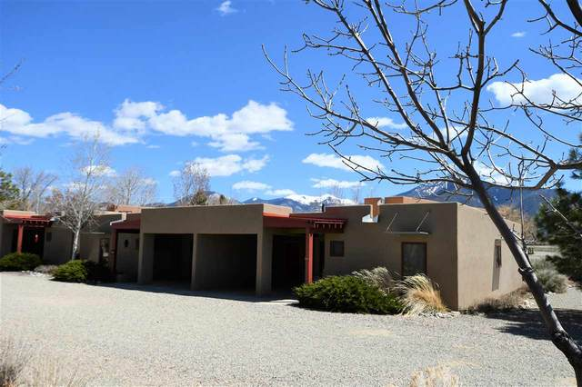 18 Comanche Road, Taos, NM 87571 (MLS #104924) :: The Chisum Realty Group