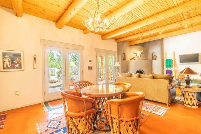 318 South Trapper, Taos, NM 87571 (MLS #105065) :: The Chisum Realty Group
