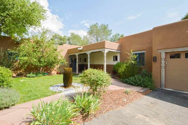 127 Valverde, Taos, NM 87571 (MLS #105108) :: The Chisum Realty Group