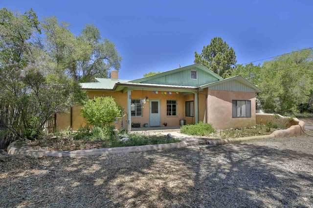 308 Juanita, Taos, NM 87571 (MLS #105126) :: The Chisum Realty Group