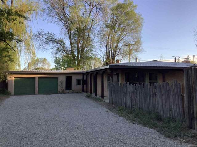 107 Peacock Lane, Taos, NM 87571 (MLS #105140) :: The Chisum Realty Group