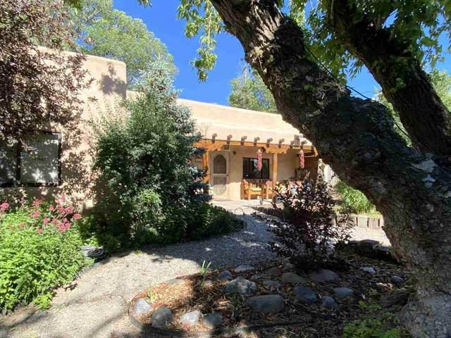 401 Camino De La Placita, Taos, NM 87571 (MLS #105220) :: Angel Fire Real Estate & Land Co.
