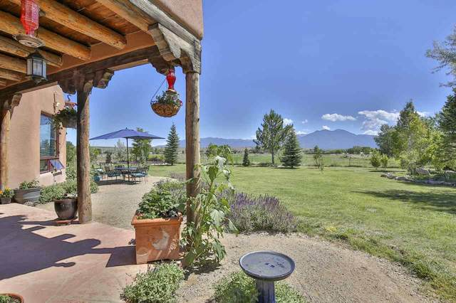 23 Las Tusas, Taos, NM 87571 (MLS #105367) :: The Chisum Realty Group