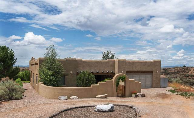 98 Vista Del Ocaso, Ranchos de Taos, NM 87557 (MLS #105476) :: The Chisum Realty Group