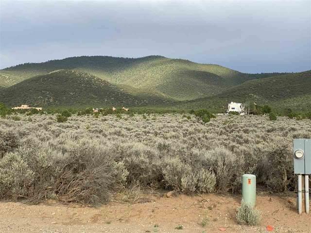 Santa Cruz, Taos, NM 87571 (MLS #105526) :: The Chisum Realty Group