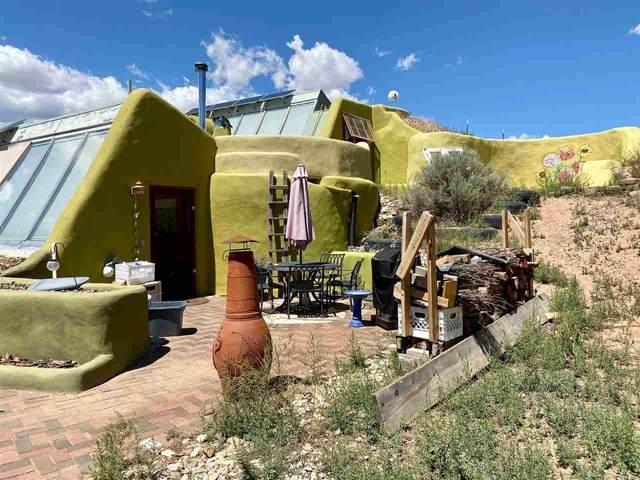 3 N Lemuria, Taos, NM 87529 (MLS #105639) :: Page Sullivan Group