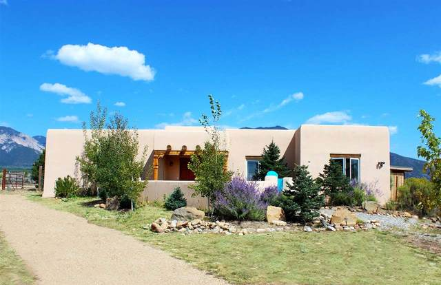 9 Camino Nopal, El Prado, NM 87529 (MLS #105751) :: The Chisum Realty Group