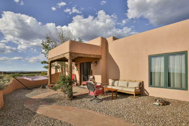 10 Mesa Encantada, Ranchos de Taos, NM 87557 (MLS #105798) :: The Chisum Realty Group