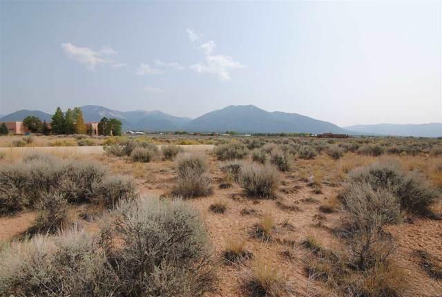 17 Alta Vista, El Prado, NM 87529 (MLS #105811) :: The Chisum Realty Group