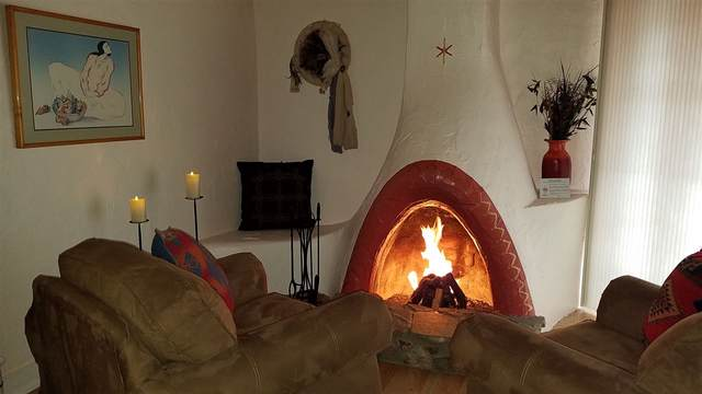 613 Valverde Street, Taos, NM 87571 (MLS #105829) :: Angel Fire Real Estate & Land Co.