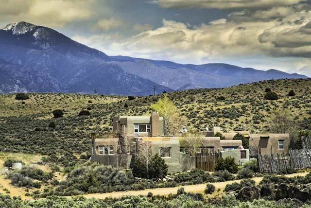 3 Rocky Road, Taos, NM 87571 (MLS #105921) :: The Chisum Realty Group
