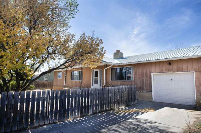 812 Hill Drive, Taos, NM 87571 (MLS #106004) :: The Chisum Realty Group