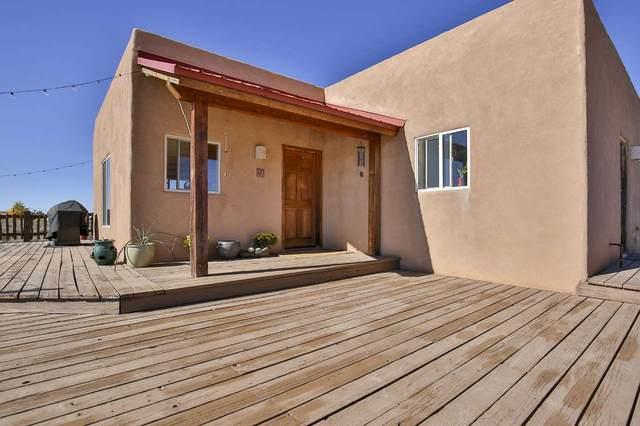 10 Colonias Pointe, El Prado, NM 87529 (MLS #106020) :: Chisum Realty Group