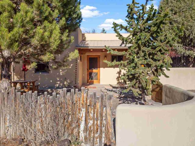 630 Zuni St 12, Taos, NM 87571 (MLS #106149) :: Chisum Realty Group