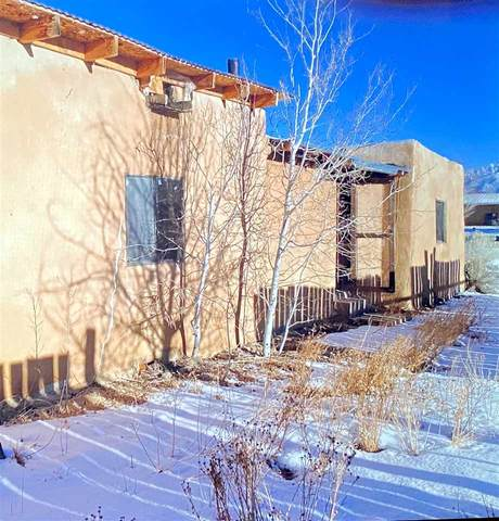 621 Mares Lane, Taos, NM 87571 (MLS #106251) :: Chisum Realty Group