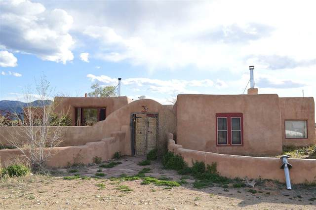 7 Calle Miguel, Ranchos de Taos, NM 87557 (MLS #106270) :: Chisum Realty Group