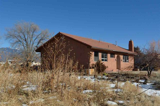 217 Este Es Rd, Taos, NM 87571 (MLS #106271) :: Chisum Realty Group